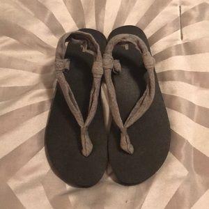 Sanuk memory foam thong sandals